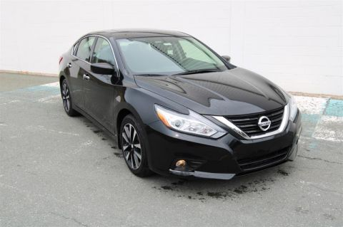 Pre-Owned 2018 Nissan Altima Sedan 2.5 S CVT 4-Door Sedan - Demo